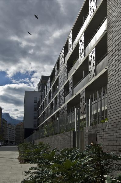 22 logements sociaux zac de bonne centre ville grenoble gtb architectes grenoble. Black Bedroom Furniture Sets. Home Design Ideas